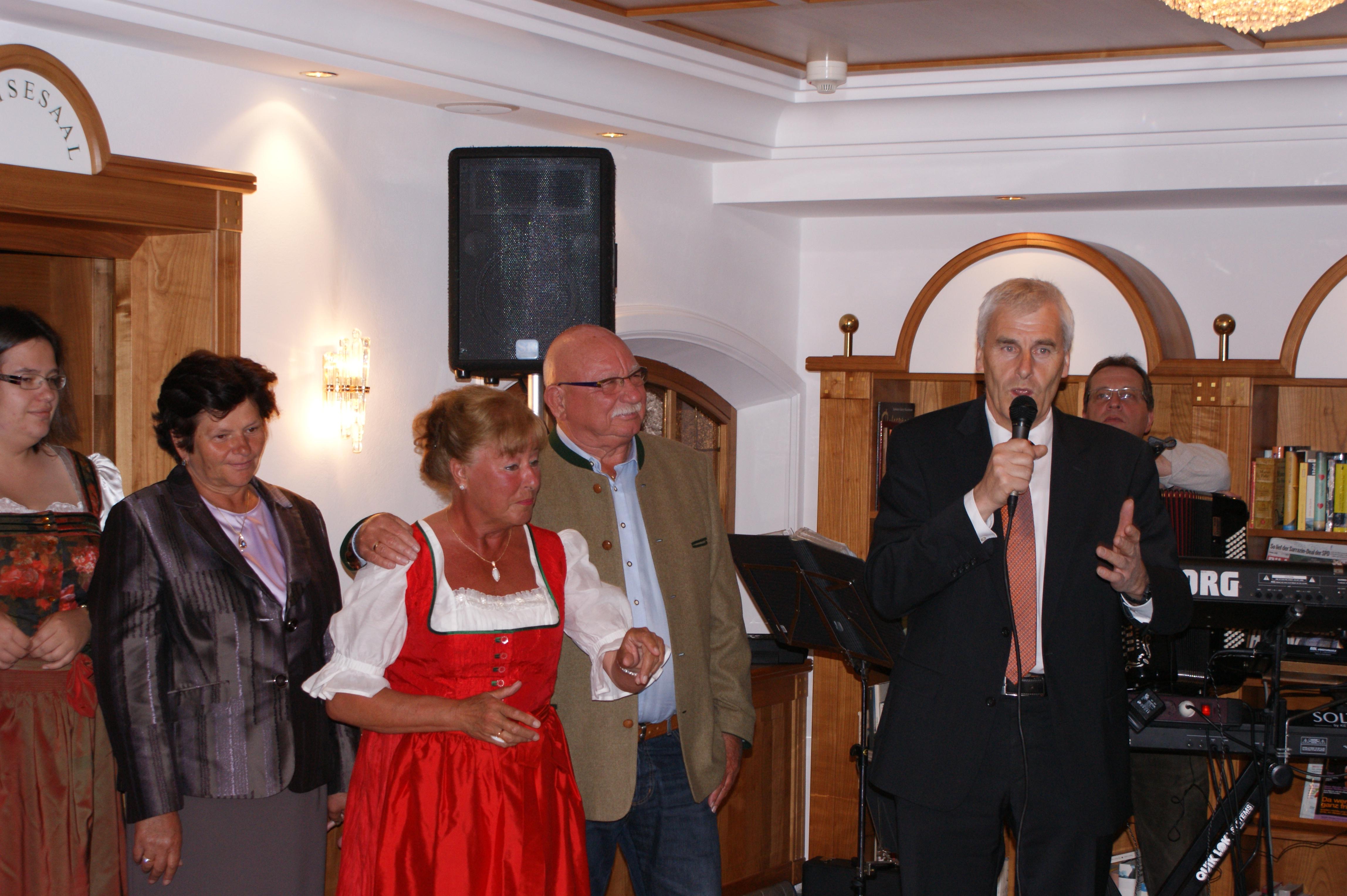 Frau Pichler, Fam. Pompe und BM Luis Kröll