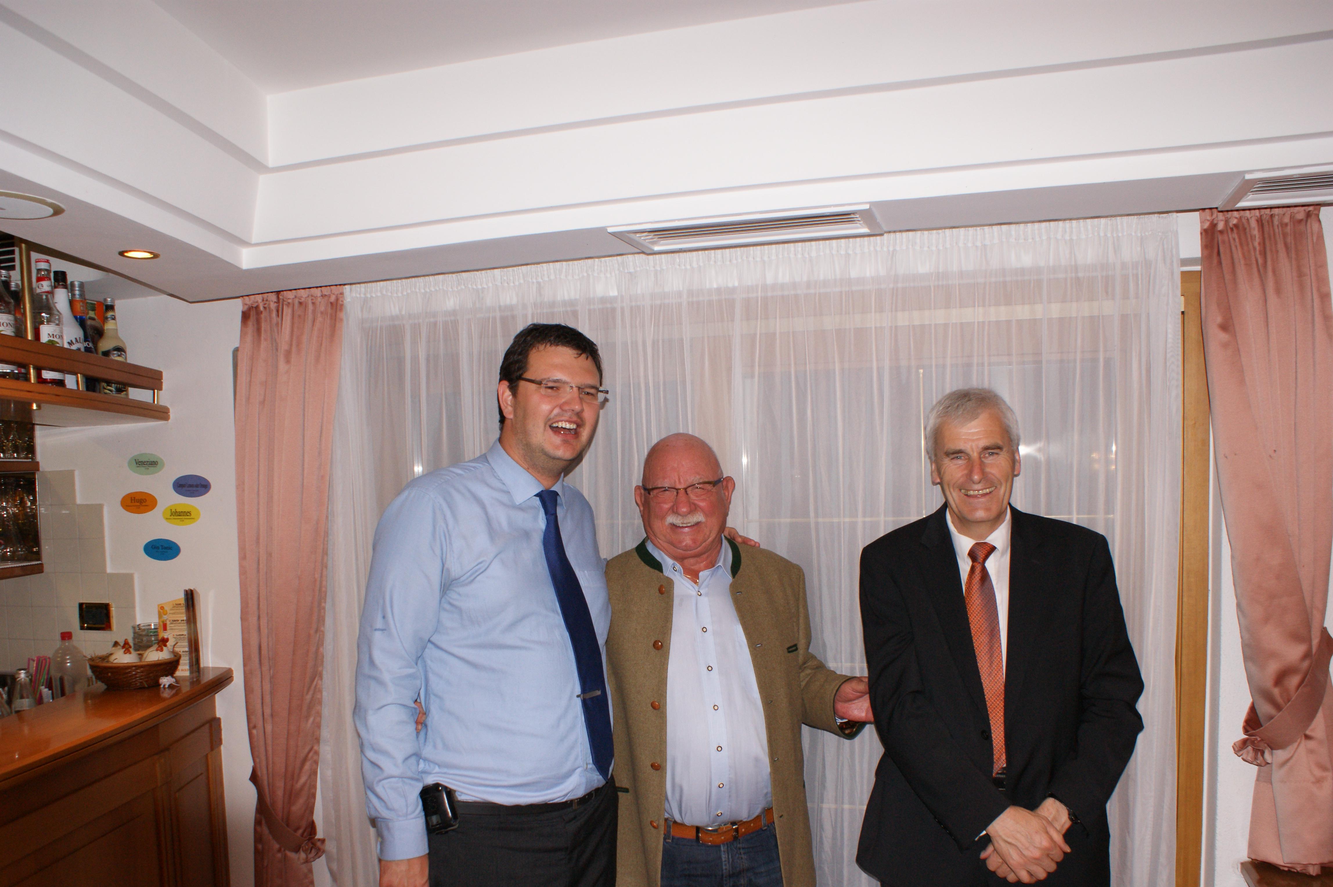 Herr Pompe mit Hansi und BM Luis Kröll