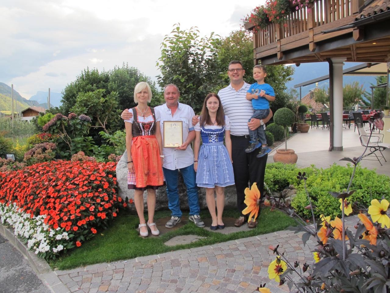 Hotel Schenna: Treue Stammgäste geehrt